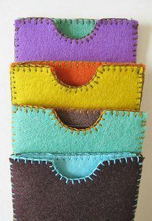 Gift card / Business card holders Plus Felt Crafts Diy, Felt Diy, Crafts To Make, Felt Gifts, Jw Gifts, Felt Pouch, Felt Purse, Pioneer Crafts, Pioneer School Gifts