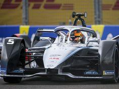 Stoffel Vandoorne (Mercedes-Benz EQ Formula E Team) décroche sa 1ère pole position de la saison lors de l'e-Prix de Berlin VI 2020, onzième manche du championnat […] Audi Sport, Position, Mercedes Benz, Berlin, Racing, Sports, Formula E, Sleeve, Hs Sports