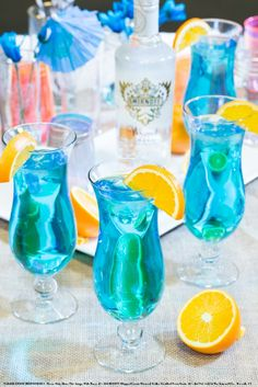 Blue Breeze with 1 oz SMIRNOFF® WHIPPED CREAM Flavored Vodka, 0.5 oz blue curacao liqueur and 4 oz lemon-lime soda.