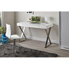 Magnifique bureau moderne pour chambre adulte coloris blanc brillant! Sa structure est fabriquée en bois Mdf de haute qualité avec des jolis pieds sous form...