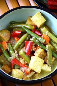 oblok-oblok Veggie Recipes, Indian Food Recipes, Asian Recipes, Chicken Recipes, Healthy Recipes, Ethnic Recipes, Veggie Food, Indonesian Cuisine, Indonesian Recipes