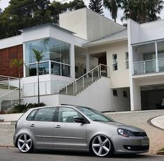 Volkswagen Polo, Vw, Polo Classic, Honda Fit, Mansions, Cars, Sandro, House Styles, Building