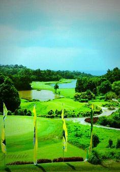 ria #bintan #golf #indonesia a calm before swing