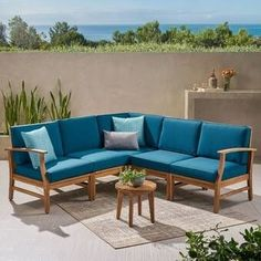 Do you love to redesign your house backyard, as much as we do? We are pretty sure, your answer is yes :-) Here is a post related with outdoor space ideas.