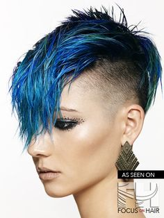 Suggestions with regard to awesome looking women's hair. Your own hair is undoubtedly precisely what can easily define you as a person. To several people it is definitely important to have a great hair style. Undercut Hairstyles, Funky Hairstyles, Undercut Mohawk, Haircuts, Hot Hair Styles, Natural Hair Styles, Pelo Mohawk, Galaxy Hair, Corte Y Color