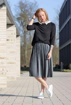 Look by @thay_viana with #sneakers #zara #skirts #plaid #sweaters #whitesneakers #silver #veromoda #metallic #midiskirts #plaidskirt #pleatedskirt #silversneaker #blacksweaters #grayskirts #faltenrock #scarosso.