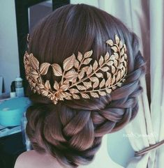 These 50 Celtic Knot Braid Hairstyle Ideas 2019 are made for thousands of years in many unique cultures, and for a wide variety of uses. As it happens, Celtic Knot braids always look fabulous. Box Braids Hairstyles, Bride Hairstyles, Hairstyle Ideas, Updo Hairstyle, Greek Hairstyles, Bridesmaids Hairstyles, Bridesmaid Hair, Cornrows, Braid Styles