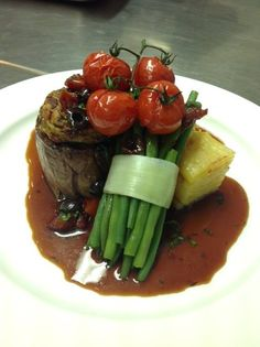 Fillet of beef, Dauphinoise potato, green peppercorn sauce