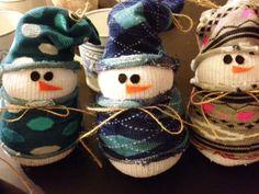sněhulák z ponožky, ponožkový sněhulák, tvoříme s dětmi, zábava pro děti, ruční práce, pracovní výchova, výtvarná výchova, nápady