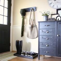 Traditional Living Room Painted Wainscoting In Fall Colors Design, Pictures, Remodel, Decor and Ideas - page 15 Painted Wainscoting, Wainscoting Styles, Wainscoting Height, Black Wainscoting, Wainscoting Hallway, Wainscoting Kitchen, Halls, Decoration Entree, Entryway Organization