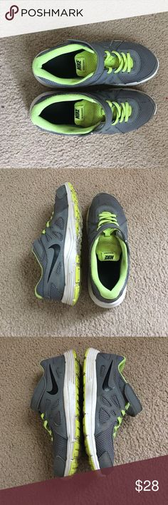 Nike sneakers Very comfy & in good condition Nike sneakers! Shoes Sneakers