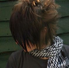 7 Emo Hairstyles For Girls With Medium Hair