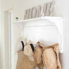 I love bringing the seaside decor theme into my home---That could be an old kitchen cabinet door and then add the shelf and brackets and hooks! Seaside Home Decor, Diy Home Decor, Seaside Beach, Coastal Living, Home And Living, Beach Cottage Style, Beach House, Home Accessories, Inspiration