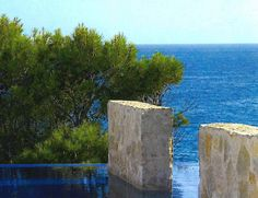 Stone walls in pool
