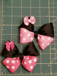 Minnie Mouse bows with mini bow