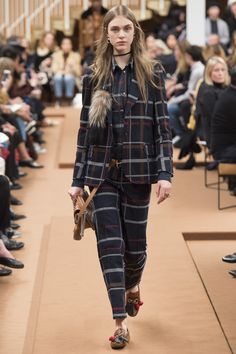 Tod's Fall 2016 Ready-to-Wear Fashion Show - Hedvig Palm