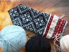 Mittens from Kihnu Island, Estonia Crochet Mittens, Mittens Pattern, Knitted Gloves, Knit Crochet, Fair Isle Knitting, Knitting Socks, Knit Socks, Knitting Patterns Free, Free Knitting