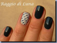 Raggio di Luna Nails: Dots don't be blue
