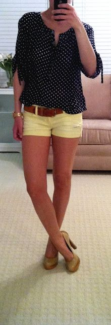 This blouse looks great with the yellow shorts.  I need to get more creative with color!