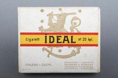 Forssan museo. Tollander & Klärich tupakkatehtaan IDEAL-savukerasia, jonka kannessa on Suomi-leijona.