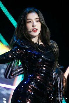 Exo Red Velvet, Red Velvet Irene, Seulgi, Kpop Girl Groups, Kpop Girls, Mama Awards, Divas, Redvelvet Kpop, Beautiful Asian Girls