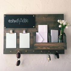 DIY Command Center – diy home decor wood Cute Dorm Rooms, Cool Rooms, Diy Home Decor, Room Decor, Wall Decor, Shanty 2 Chic, Farmhouse Side Table, Diy Furniture Plans Wood Projects, Idee Diy