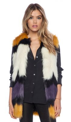 Essentiel Hillbilly Rotkho Faux Fur Vest