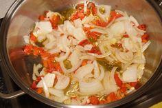Hojaldre de verduras y queso | Más que postres Gourmet Recipes, Appetizer Recipes, Appetizers, Sin Gluten, Flan, Pasta Salad, Tapas, Queso, Cabbage