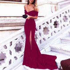 GorgeousFitted Gown for your new year 2018 senior prom or any other Special Occasion. This sleek gown comes in an array of fabulous jersey colors and features an elegant off the shoulder neckline withsexy front sideslitand a back flowing train. Fabric:Jersey Tailoring Time:2-3 weeks DeliveryTime: 4-6 days. Rece
