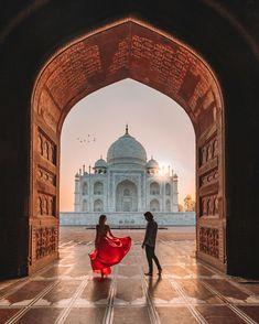 Taj Mahal, Travel Pictures Poses, Travel Photos, Beautiful Stories, Beautiful Places, Beautiful Sky, Job A Domicile, Places To Travel, Places To Visit