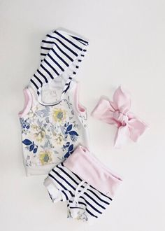 Baby girl outfit / baby girl clothes / cute baby clothes / floral print / pink / newborn girl outfit / toddler girl outfit / baby clothes
