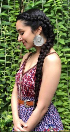 Shraddha kapoor for Stree promotion Shraddha Kapoor Saree, Shraddha Kapoor Hot Images, Priyanka Chopra, Deepika Padukone, Beautiful Bollywood Actress, Most Beautiful Indian Actress, Beautiful Actresses, Indian Bollywood, Bollywood Fashion