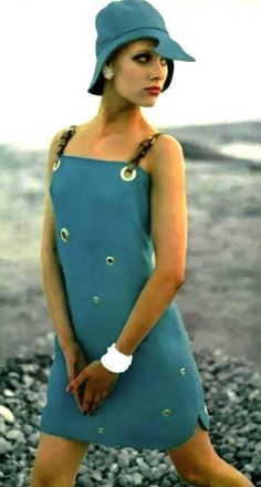 I would totally wear this dress today. Blue Hermes hat and dress, 1968 1960s Mod Fashion, 60 Fashion, Sixties Fashion, Fashion Mode, Moda Fashion, Fashion History, Retro Fashion, Vintage Fashion, Womens Fashion
