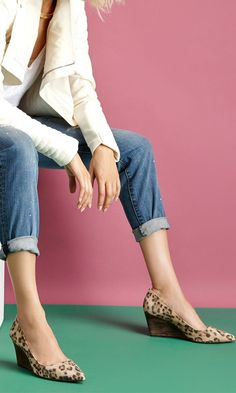Ballet flats with wingtip detail and ruching at sides