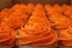 Image about cupcake in Orange🍊 by ten_mousse on We Heart It Jaune Orange, Coral Orange, Burnt Orange, Orange Color, Yellow, Orange You Glad, Orange Is The New, Orange Cupcakes, Food Cakes