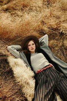 Grey scarf & top EL GAUCHO from B SIDES LA AMERICANA collection (100% fine merino wool) #bsideshandmade #basiachrabolowska #sustainableknitwear