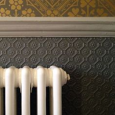What's the right type of wallpaper to use in a Victorian house? Textured wallpaper is a great option Wallpaper Chevron, Anaglypta Wallpaper, Hallway Wallpaper, Embossed Wallpaper, Silver Wallpaper, Victorian Interiors, Modern Victorian, Victorian Design, Victorian Decor