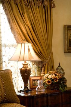 Tuscan design ideas - furniture and kitchen design elements Tuscan Design, Tuscan Style, Tuscan Decorating, Interior Decorating, Interior Design, Tuscan House, Autumn Home, Traditional House, Home Accents
