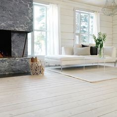 Vita hårdvaxoljade furugolv Swedish Design, Scandinavian Design, Wood Floor Colors, Pine Floors, Wood Wall, Room Inspiration, Accent Chairs, Sweet Home, New Homes