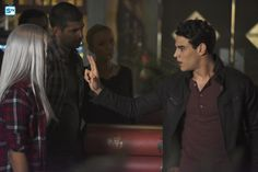 "Shadowhunters ""The Guilty Blood"" S2EP1"
