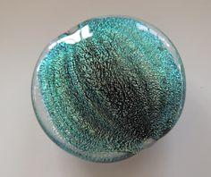Seashell von Ernestosglass auf Etsy Glass Jewelry, Glass Beads, Handmade Jewelry, Unique Jewelry, Handmade Gifts, Cartography, Slime, Attic, Sea Shells