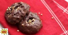 DARK CHOCOLATE & HAZELNUT PROTEIN COOKIES (LOW CARB)  25g of Myprotein Impact Whey – Chocolate Nut  25g of Tahini  50g of Egg Whites  15g of cocoa powder  15g of chopped hazelnuts  8g of coconut flour
