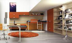 chambre en brun, orange et parquet gris