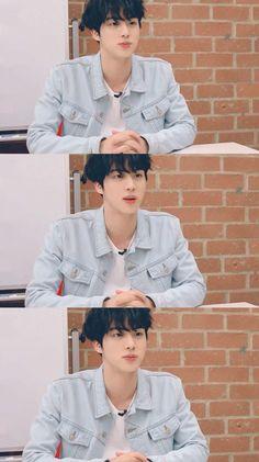 Jin Looking like a lil shanck👀🥰 Seokjin, Kim Namjoon, Hoseok, Jimin, Bts Jin, Bts Bangtan Boy, Foto Jungkook, Foto Bts, Btob