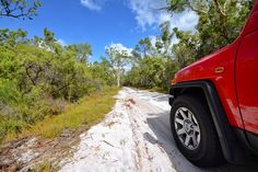 Learning to opens up a whole world of beautiful places you visit in Australia. Even if you've never gone off-road, you'll be a pro in no time with this new course on Fraser Island aiming to give women the skills they need to fell confident in a Sand Island, Island Map, Camping Spots, Beach Camping, Stradbroke Island Camping, Fraser Island, National Parks Map, State Forest, Kayaking