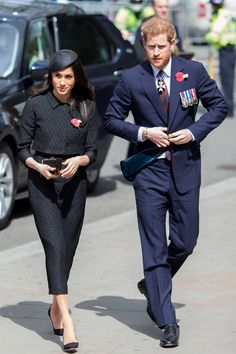 Prince Harry and Meghan Markle attend an Anzac Day service at Westminster Abbey on April 2018 in London, England. Prince Harry Et Meghan, Princess Meghan, Harry And Meghan, Prinz Harry Meghan Markle, Harry And Megan Markle, Estilo Meghan Markle, Meghan Markle Style, Markle Prince Harry, Prinz Charles