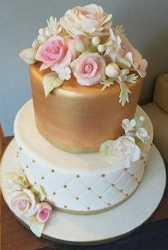 Cakes, Floral, Desserts, Gold, Food Cakes, Florals, Tailgate Desserts, Flowers, Deserts