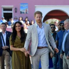 Here's how to get your hands on it. The post The Duchess of Sussex& Green Staud Maxi is Now Available to Buy appeared first on FASHION Magazine. Green Maxi, Khaki Green, Meghan Markle Style, Nude Flats, Beauty Magazine, Duke And Duchess, Cool Shirts, Fashion Beauty, Suit Jacket