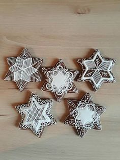 Christmas Sweets, Christmas Cookies, Crazy Cookies, Food Crafts, Xmas Ornaments, Confectionery, Merry And Bright, Royal Icing, Cookie Decorating