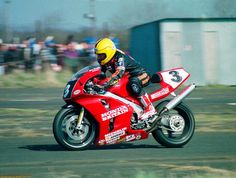 Joey Dunlop - Honda RC45 - photo from Daidegas.it